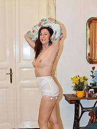 MILF Lara : Tempting milf babe Lara teasing us with her retro lingerie