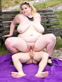 BBW facesitting : Fat meloned blonde BBW babe sitting on a poor guys face