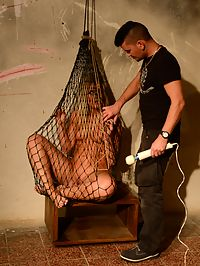 Excited slave : Amazing blonde babe Sandy trapped in net grabbed and vibed