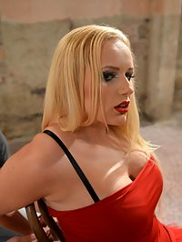 Gorgeous slave : Chesty blonde slave Vicky gets chair-tied and cleavgagged