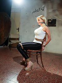 Sweet slave : Ponytailed blonde slave Victoria gets string bound and vibed