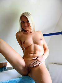 Pretty Jessy : Favourite girl Jessy is playing with herself in the shower
