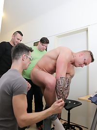 Gay group : Handsome masked gay gets big dick sucked in a group sex