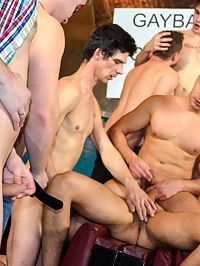 Gay group : Tempting gays sucking their big shafts and fucking in group