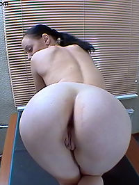 Celia : Teen gets her first anal creampie after ass stretching