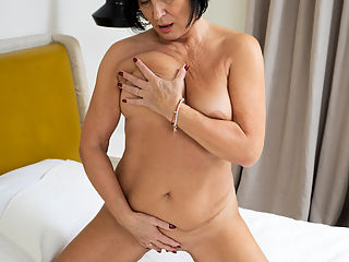 Anilos.com - Blushin Russian added to Anilos.com : Anilos - Blushin Russian featuring Olivia Westervelt. Added On Mar 5, 2020 Description Looking her best is the main goal for granny Olivia Westervelt. This busty grandma is masterful at getting naked and letting her hands roam her curvaceous body. Fondling her big boobs is only the appetizer as she spreads her thighs and lets her fingers go to town on her dripping bare cunt.